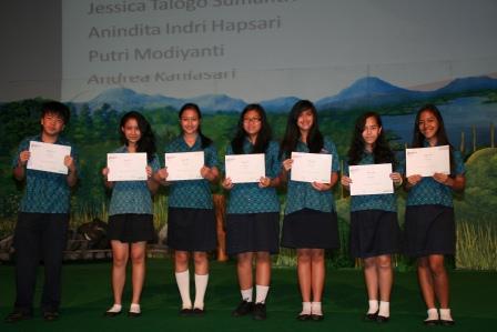 Multiple Award Winners Academic Excellence GJIS 2012 Semester One4