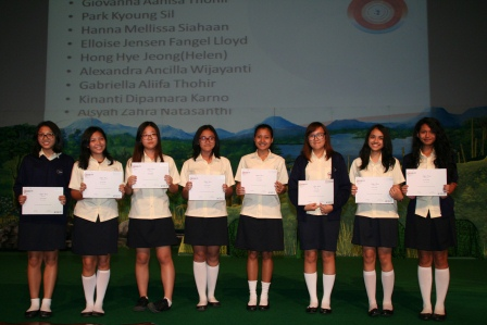 Multiple Award Winners Academic Excellence GJIS 2012 Semester One6